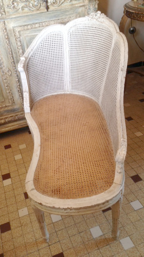 A4000 Antique French Cane Chaise