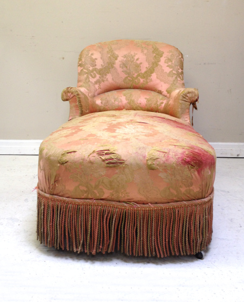 A4053 antique french chaise longue for Antique french chaise longue