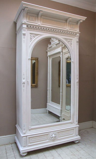 if1417 superb antique french henri ii style armoire. Black Bedroom Furniture Sets. Home Design Ideas