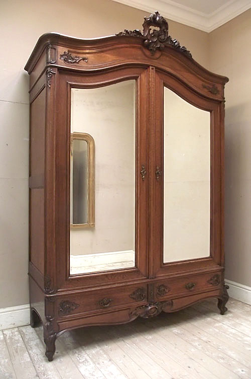 IF2852 SUPERB ANTIQUE LOUIS XV ARMOIRE  WARDROBE -> Armoire Style Baroque