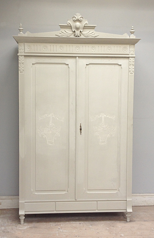 if3768 antique french henri ii style armoire. Black Bedroom Furniture Sets. Home Design Ideas