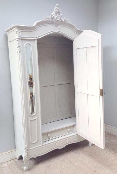 If3804 Antique French Rococo Triple Door Armoire