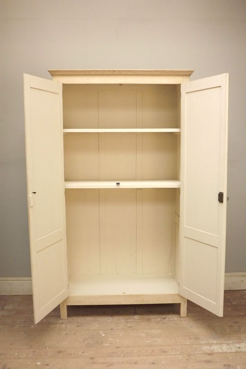 IF3264 ANTIQUE FRENCH ARMOIRE / CUPBOARD